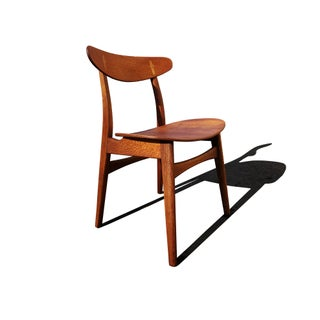 Set of 4 Hans Wegner Ch-30 Dining Chairs Produced by Carl Hansen & Son. Preview