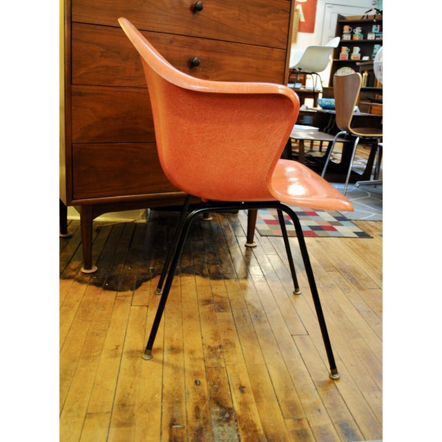 Mid Mod Fiberglass 1950's Armchair /side chair manufactured by The Cole Steel Co. In very good vintage condition with a...