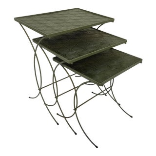 Mid-Century Modern Metal Nesting Tables - Set of 3 For Sale