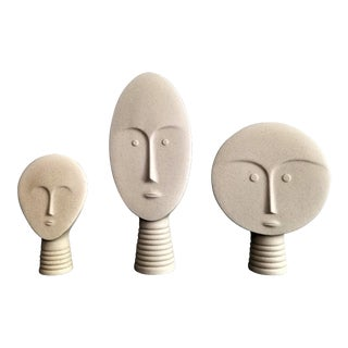 Italian Mid Century Modern Style Ceramic Art Pottery Stoneware Sculptures by Linea Sette- Minimalist Art Deco Brutalist Cycladic Boho Chic Face Bust For Sale