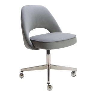 Saarinen Executive Armless Chair in Gray Moleskin, Swivel Base For Sale