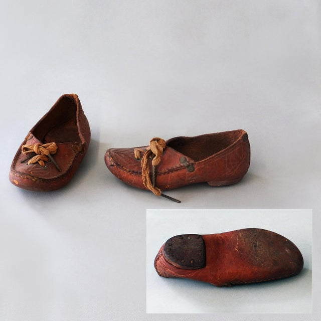Antique Sarreid Ltd Native American Child's Moccasins - A Pair - Image 3 of 5