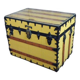 19th Century Beautiful Steamer Trunk -Coffee Table Painted Yellow For Sale