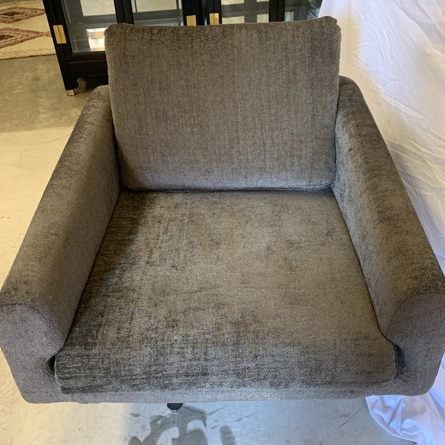 Mid Century Chrome Base Swivel Lounge Chair For Sale - Image 4 of 12