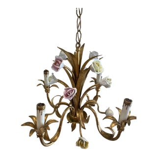Mid 20th Century Italian Gilded Tole Chandelier with Ceramic Roses For Sale