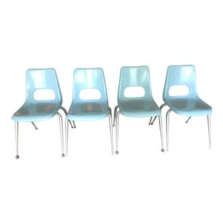 Brunswick Mid-Century Modern Eames Era Fiberglass Chairs - Set of 4 For Sale