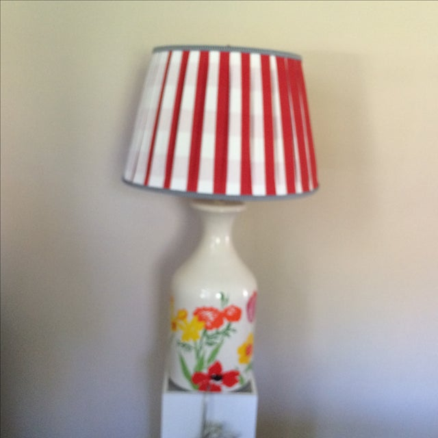Mid-Century Floral Lamp With Red Custom Shade - Image 4 of 9