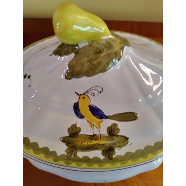 Vintage Cantagalli Firenze Faience Italian Majolica Bird of Paradise and Lemon Soup Tureen For Sale - Image 10 of 12