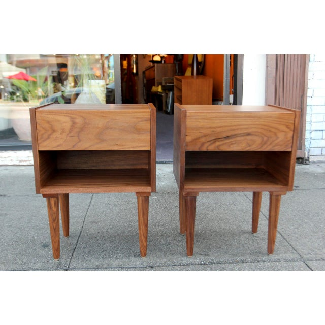 Mid-Century American Walnut Nightstands - A Pair - Image 2 of 10