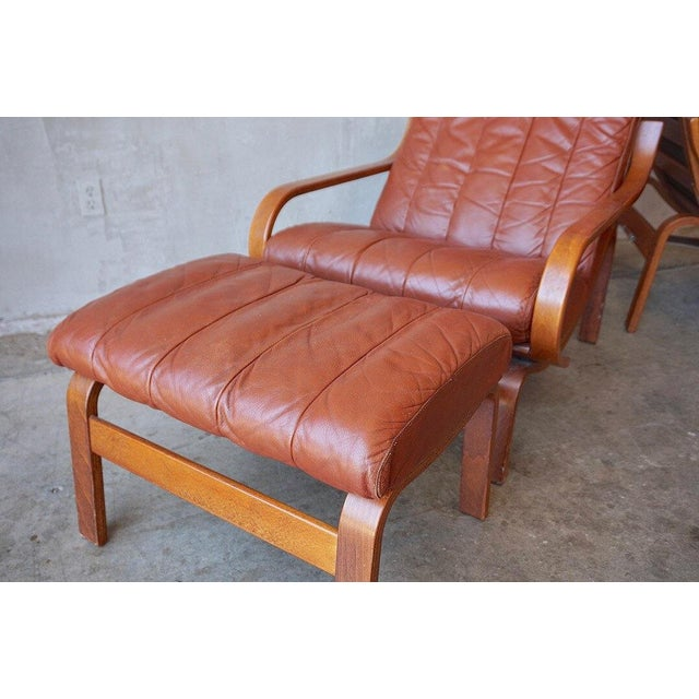 Westnofa Furniture Leather Lounge Chairs With Ottomans For Sale - Image 4 of 7
