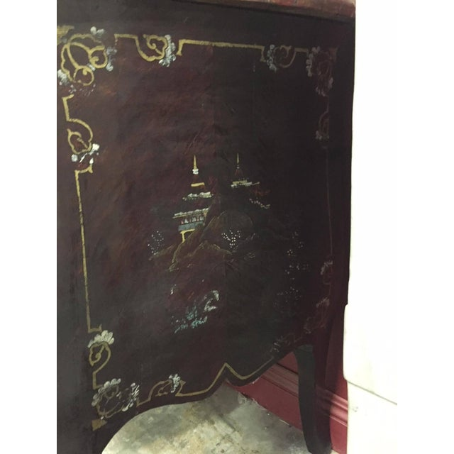 Pair of Louis XV Style Chinoiserie Marble-Topped Commodes For Sale - Image 12 of 13