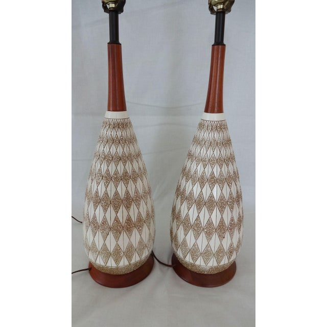 Mid-Century Textured Diamond Pattern Plaster and Teak Lamps - a Pair For Sale - Image 4 of 9