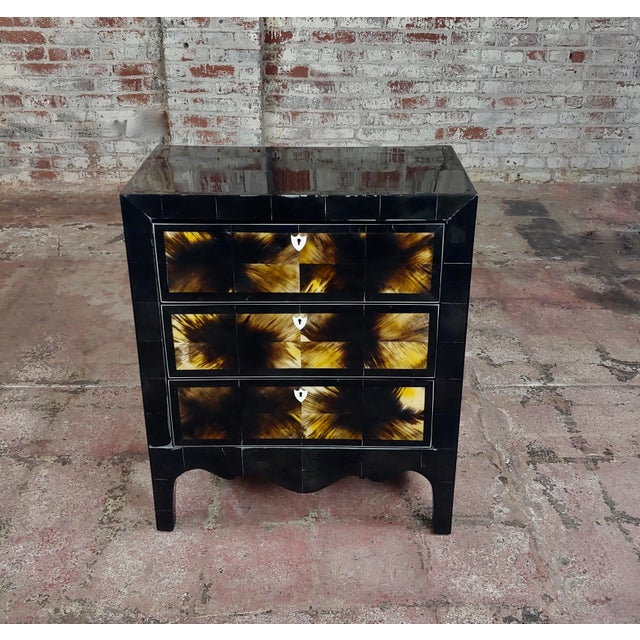 Bull Horn Veneer & Black Lacquer Beautiful 3 Draws Commode For Sale - Image 4 of 9