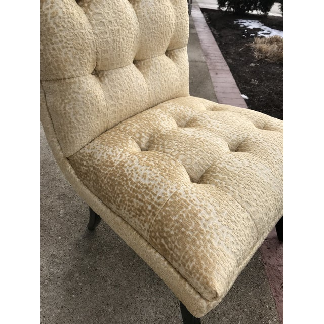1940s Hollywood Regency Vintage Tufted Klismos Chairs- a Pair Champagne Velvet For Sale - Image 6 of 10