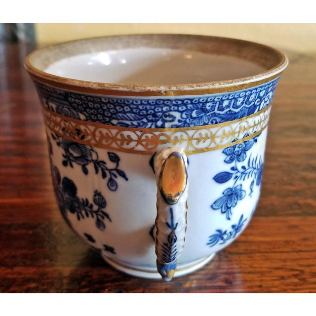 Meissen Porcelain 18th Century Continental 2 Handled Blue and White Mug With Gilding For Sale - Image 4 of 11