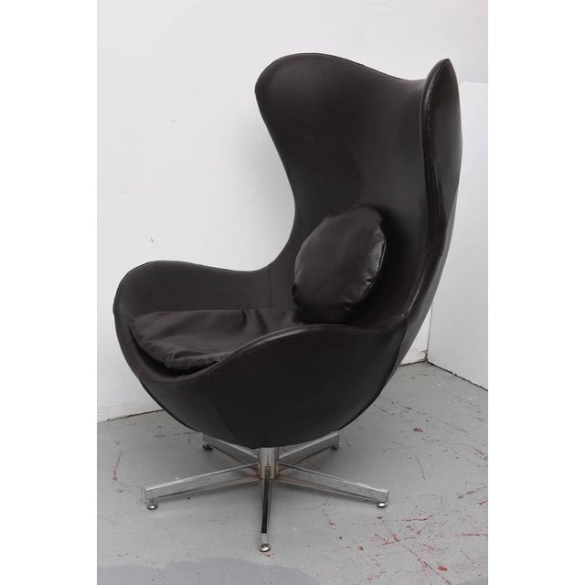Leather and Aluminum Egg Chair. 1960s, Denmark