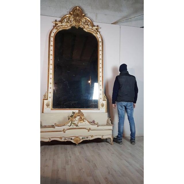 Beautiful elegant spectacular mirror with planter at the base large size in perfect Italian baroque style wood finely and...