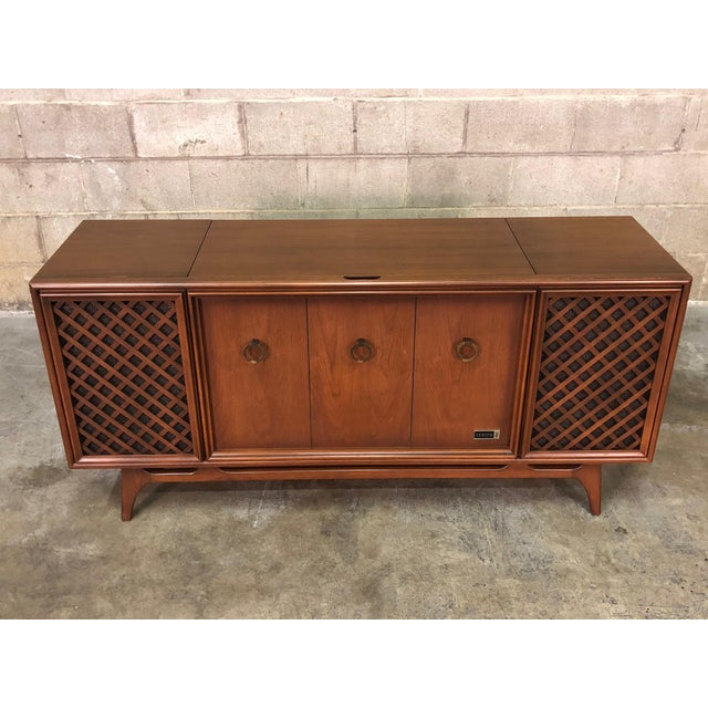 Zenith Mid-Century Modern Stereo Console / Radio / Record Player / Tv Stand For Sale - Image 12 of 13
