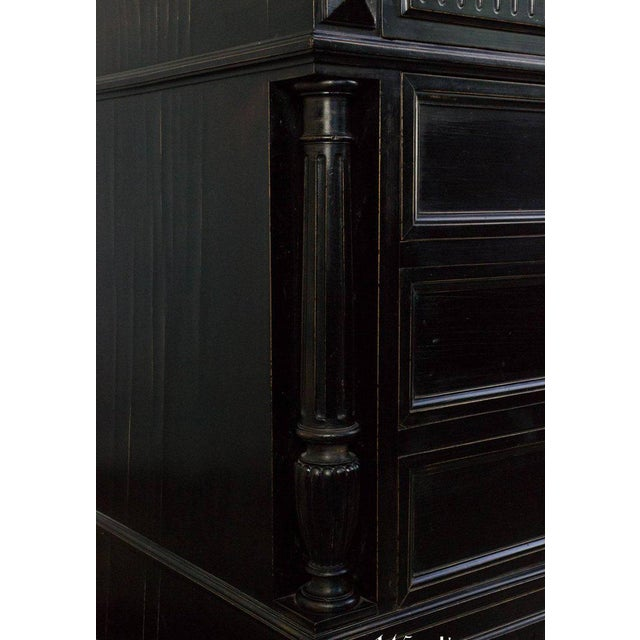 French Chest of Drawers For Sale In New York - Image 6 of 11