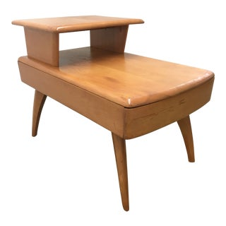 Mid-Century Modern Heywood-Wakefield Sculptural Side Table For Sale