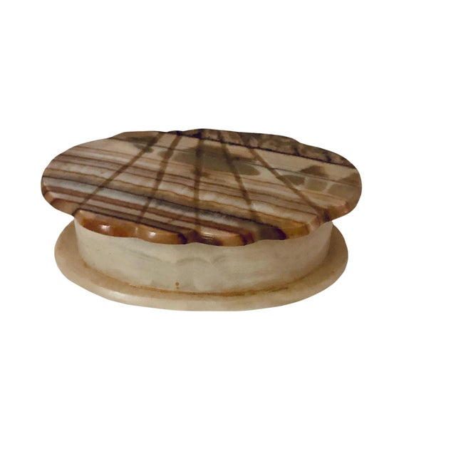 Gemstone 1940s Italian Onyx Shell Shape Box For Sale - Image 7 of 7