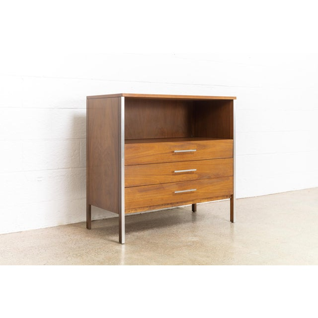 Calvin Furniture Mid Century Paul McCobb for Calvin Chest of Drawers For Sale - Image 4 of 11