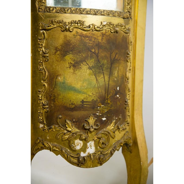 Gold French Louis XV Giltwood and Curved Glass Curio Cabinet For Sale - Image 8 of 13