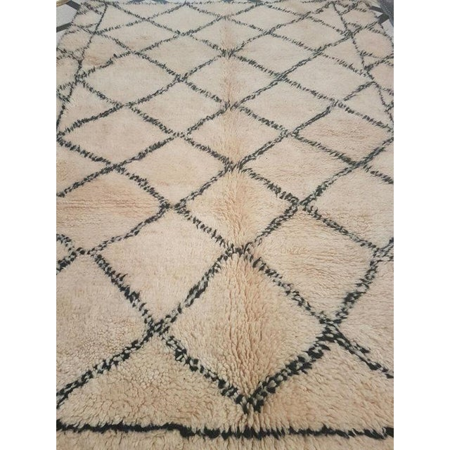 Vintage Moroccan Beni Ourain Area Rug - 5′5″ × 7′5″ - Image 3 of 5