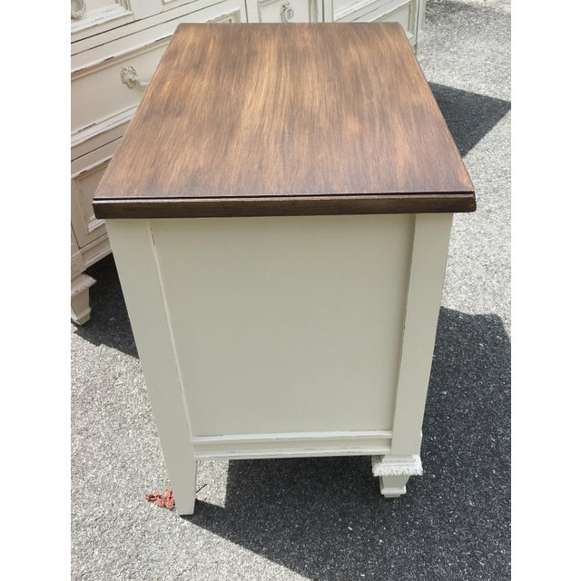 Thomasville Walnut 9-Drawer Triple Dresser and Nightstand - Set of 2 For Sale In Greensboro - Image 6 of 13