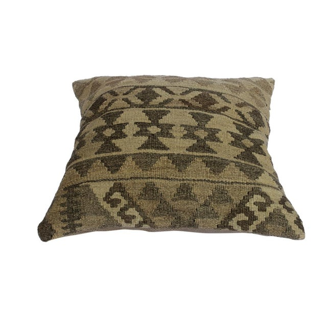 "Asian Darcey Gray/Ivory Hand-Woven Kilim Throw Pillow(18""x18"") For Sale - Image 3 of 6"