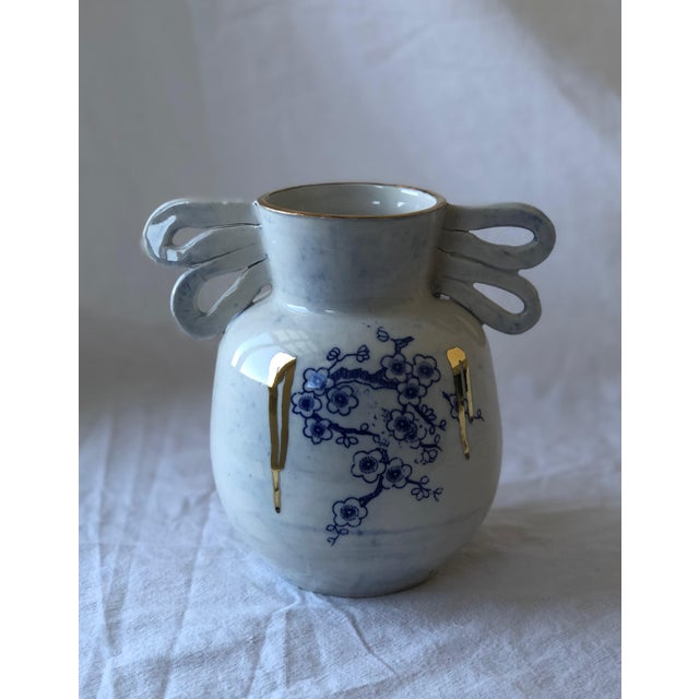 I love these porcelain vessels that are reminiscent of Chinoiserie, which was the rage in the 1920's. My take on this...