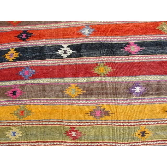 Vintage Turkish Kilim Rug -5′7″ × 7′7″ For Sale - Image 7 of 11