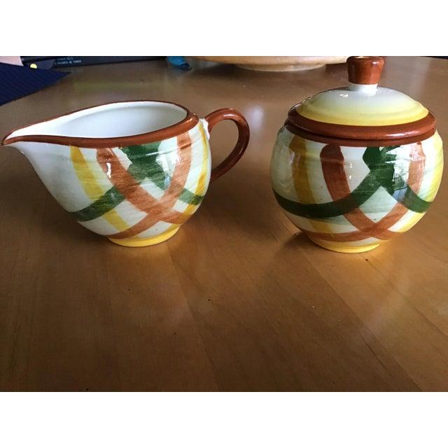 "1950s Vernon Kilns Vernonware ""Homespun"" Sugar Bowl and Creamer - a Pair For Sale In Raleigh - Image 6 of 7"