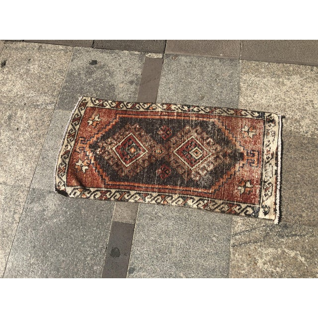Contemporary Vintage Faded Rug- 1′7″ × 3′3″ For Sale - Image 3 of 6