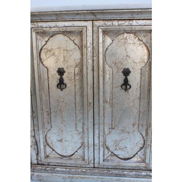 Hollywood Regency Silver Leaf Gabinet & Marble Top - Image 4 of 11