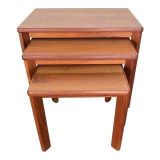 Mid-Century Modern Teak Nesting Tables - Set of 3 For Sale