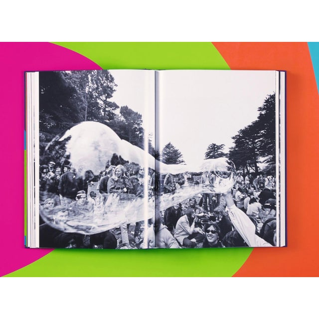 """Paper """"The Electric Kool-Aid Acid Test"""" Autographed by Tom Wolfe Photography by Lawrence Schiller & Ted Streshinsky Collector's Edition For Sale - Image 7 of 8"""