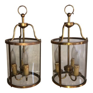 1930s Louis XIV Style Bronze & Curved Glass Lanterns - a Pair For Sale