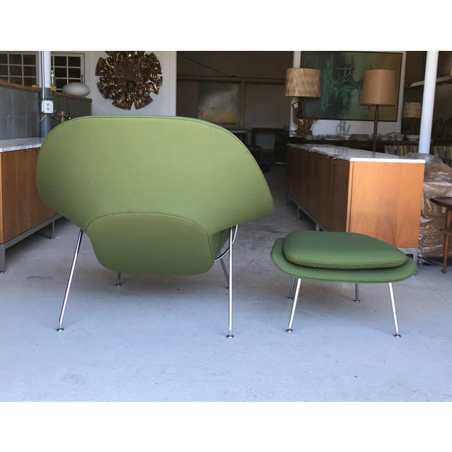1990s Reupholstered! Knoll Womb Chair Ottoman Eero Saarinen For Sale - Image 5 of 13