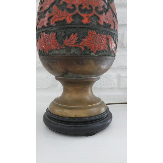 1960s Cloisonne Enamel & Champleve Brass Burnt Orange Large Table Lamp For Sale - Image 4 of 9