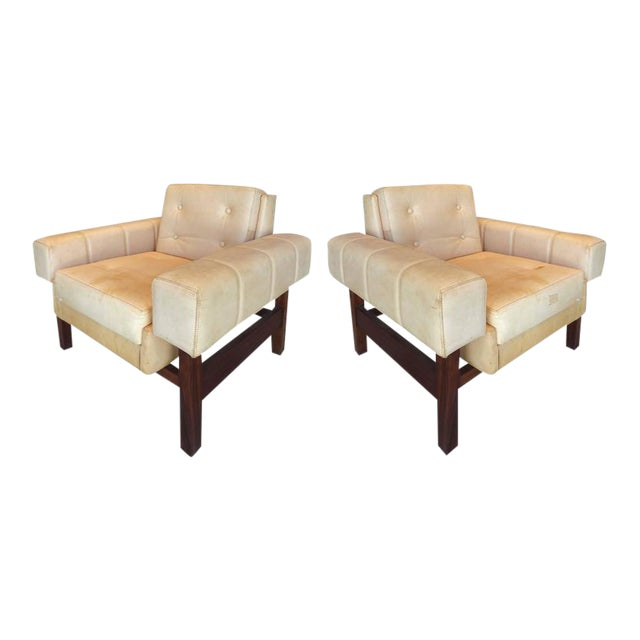 """1960s Sergio Rodrigues """"Navona"""" Club Chairs in Jacaranda and Leather - A Pair For Sale"""