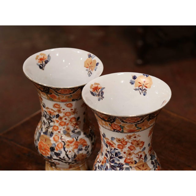 Early 20th Century Pair of Early 20th Century Japanese Painted and Gilt Porcelain Imari Vases For Sale - Image 5 of 11