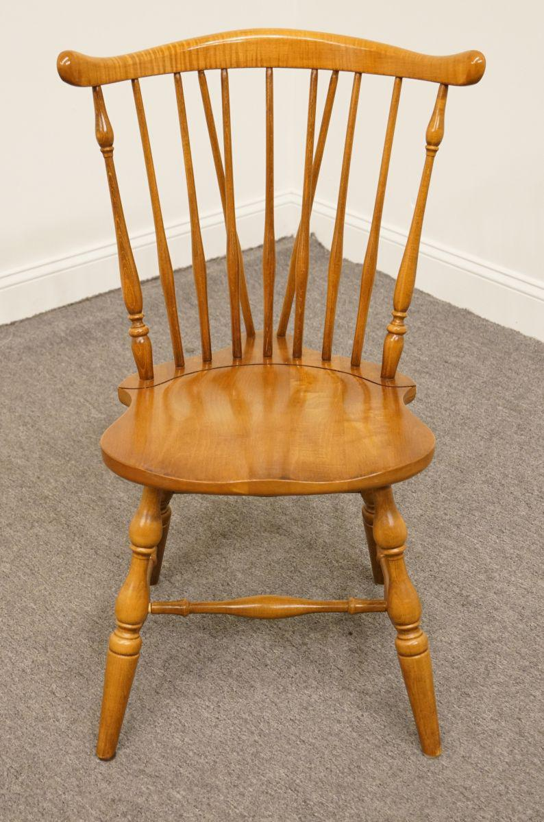 Late 20th Century Vintage Pennsylvania House Hard Rock Maple Colonial  Fiddleback Dining Chair