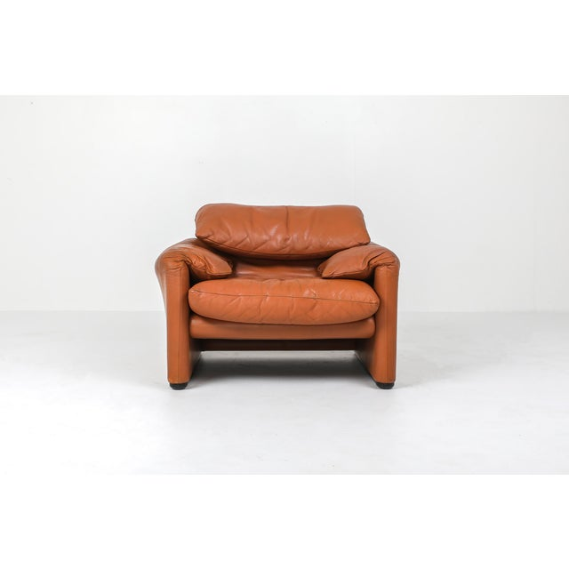 1970s Maralunga Cognac Leather Club Chairs by Vico Magistretti for Cassina - a Pair For Sale - Image 6 of 11