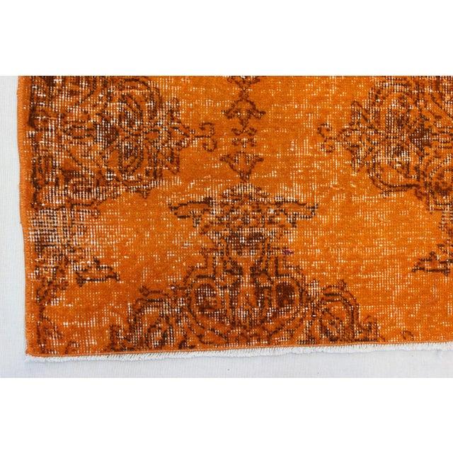 Ori̇ental Turki̇sh Overdyed Rug - 4′4″ × 7′2″ For Sale - Image 5 of 7