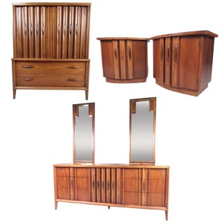 American Mid-Century Modern Bedroom Suite by Thomasville For Sale