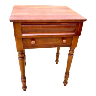 1950s Leopold Stickley Sheraton Style Solid Cherry Accent or Side Table For Sale