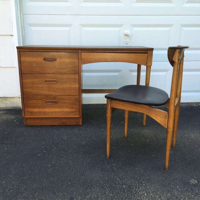 Mid-Century Walnut Writing Desk by Lane Furniture - Image 2 of 11