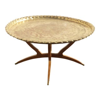 Vintage Mid-Century Danish Modern Platter Style Scalloped Edge Coffee Table For Sale