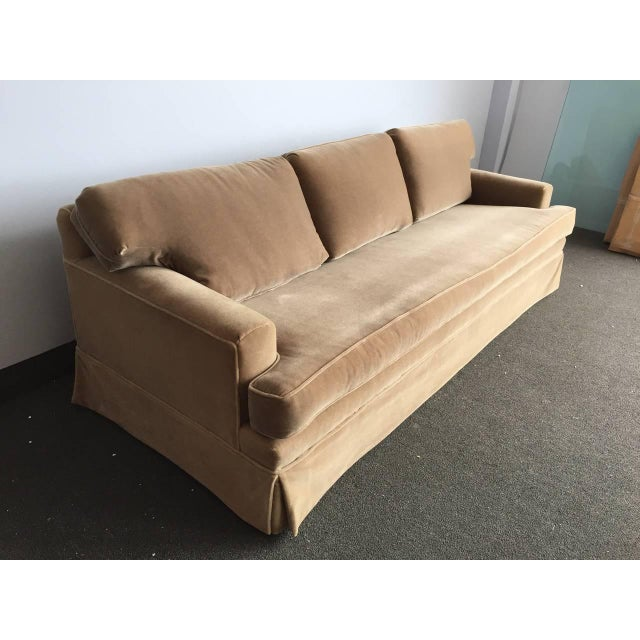 Fresh from a Southampton estate, this incredible high quality JMF style long sofa with single seat cushion and low back...